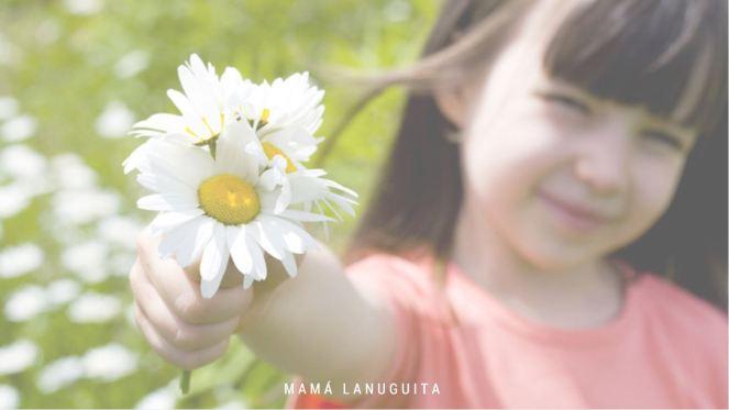 mirar el mundo como nuestros hijos descubrir el mundo asombro mirada señalar maternidad crianza niña flores